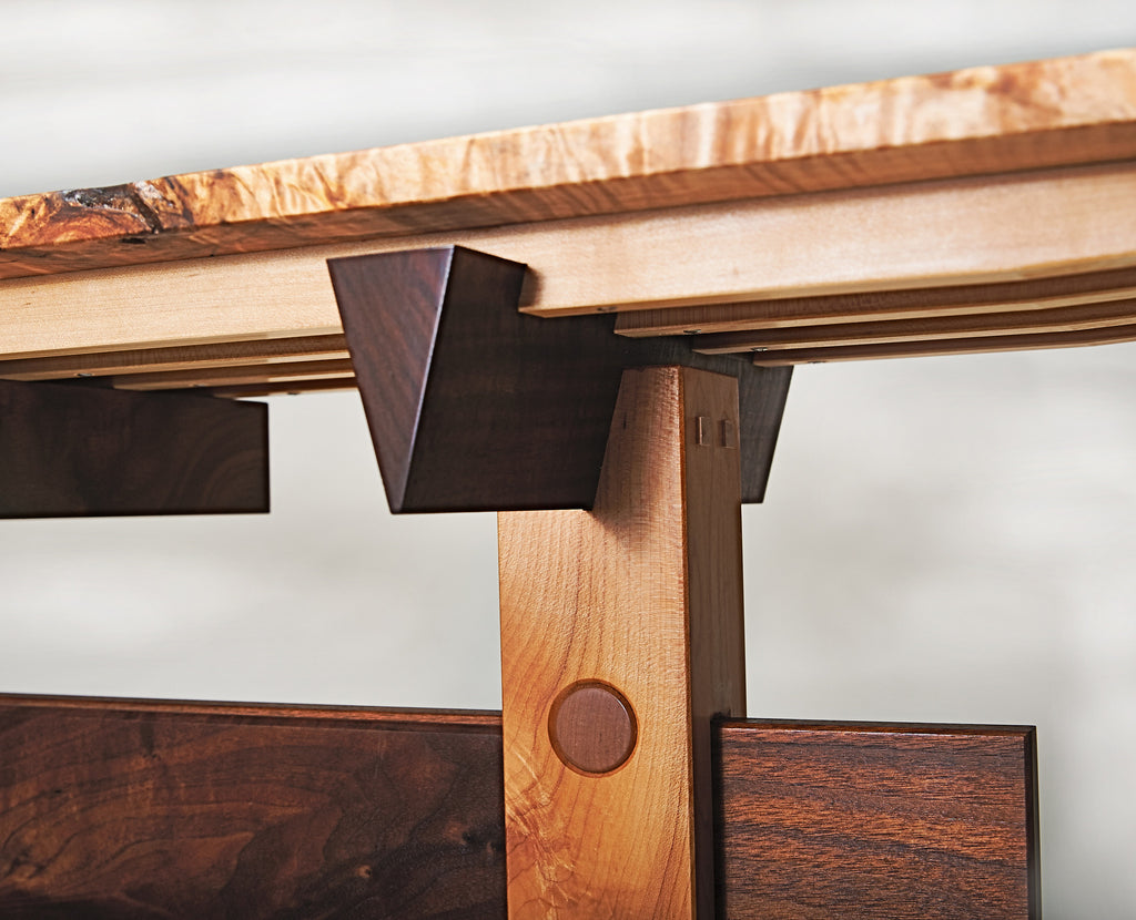 Entry hall table detail dovetail support