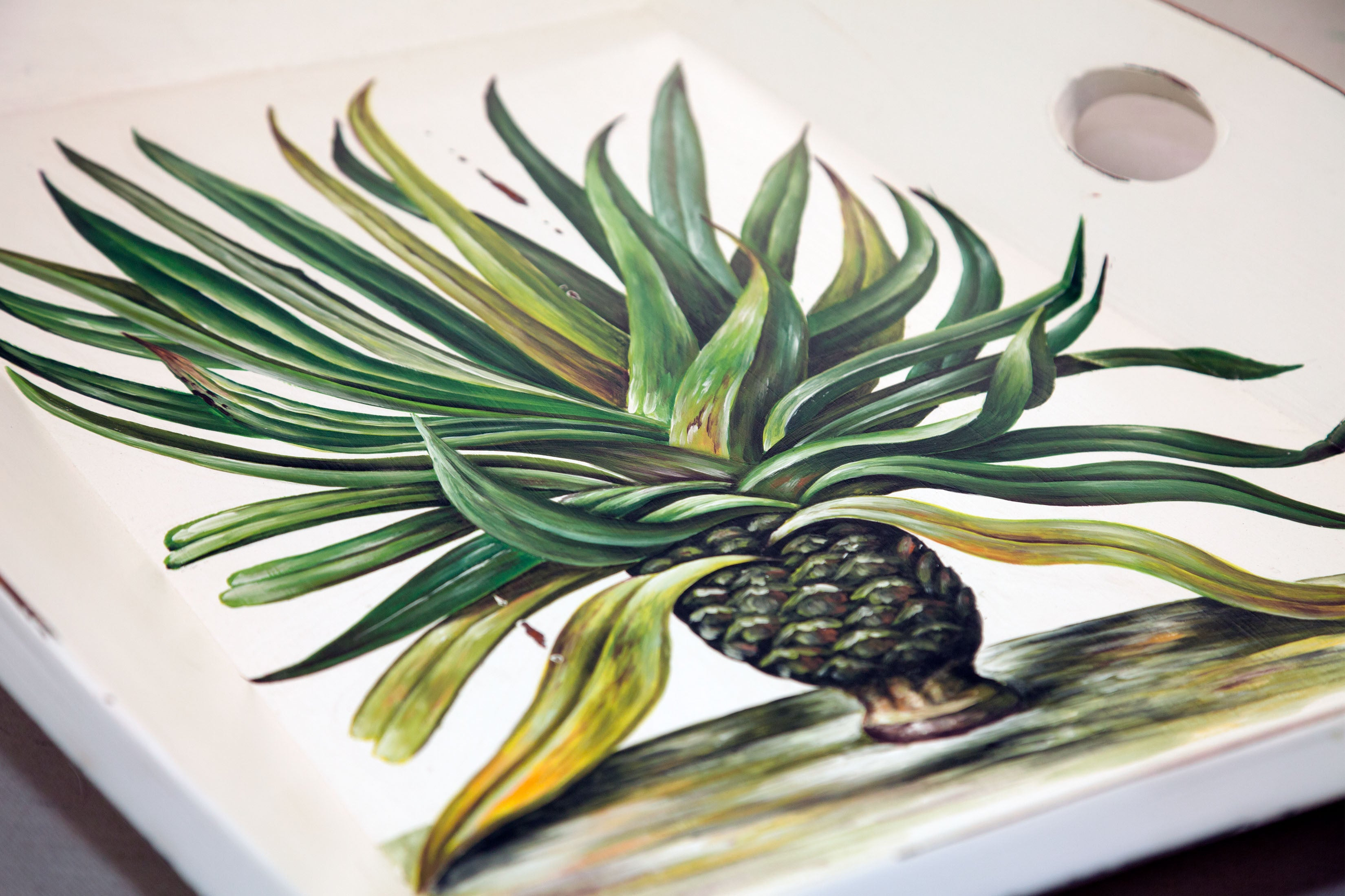 Pineapple 4 Handle Serving Tray