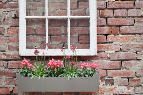 Shift_Design - EDGLEY Window Box II Onyx Creative