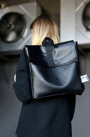 Inga Skripka - Small Leather Backpack II Onyx Creative