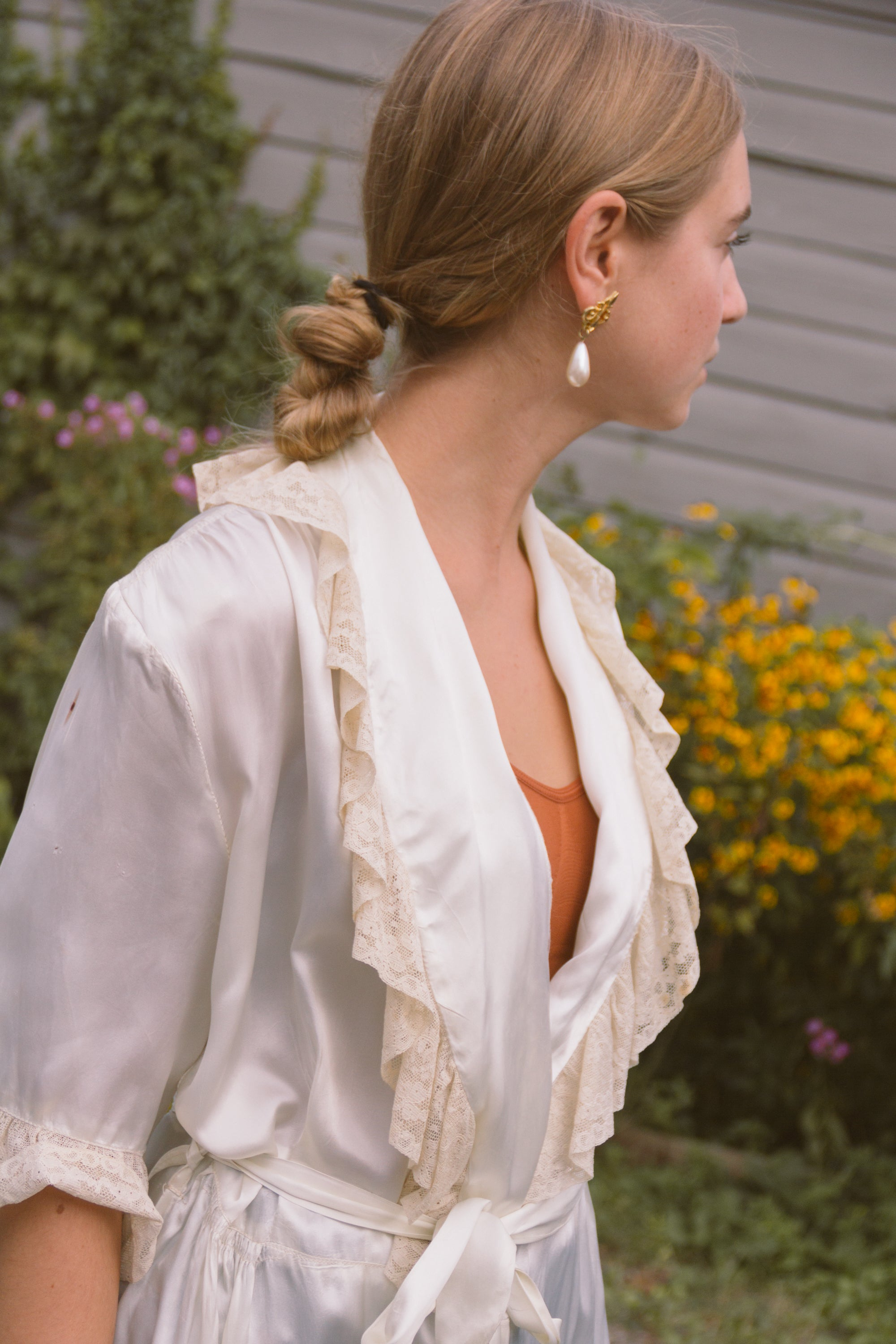 1940s Ivory Silk Dressing Robe
