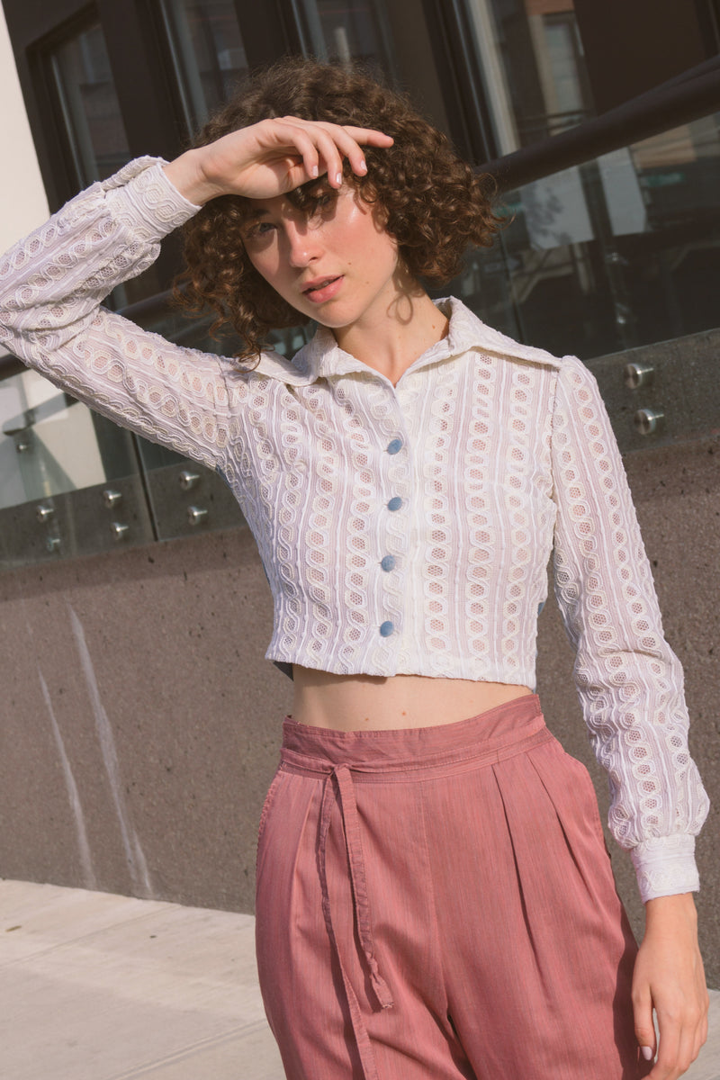 1960s Eyelet Lace Collared Cropped Top