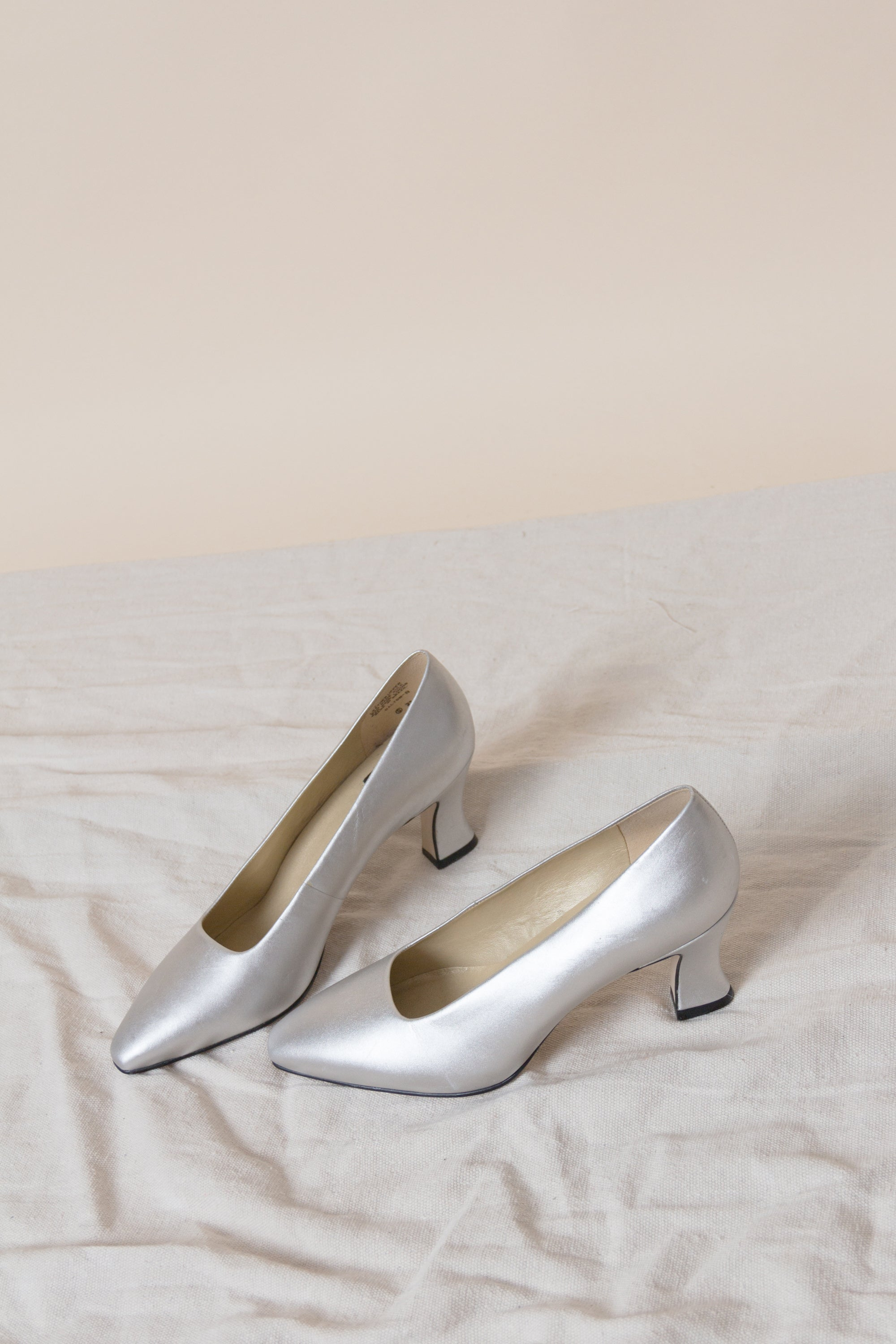 1980s Pointed Metallic Pump | sz 8.5