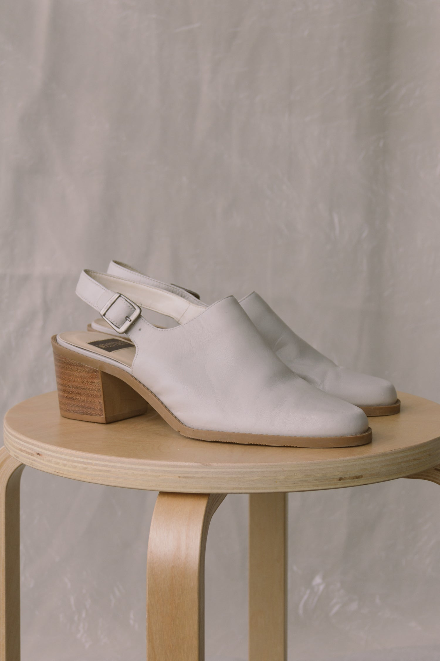 1990s Ecru Leather Slingback Mules | 8.5