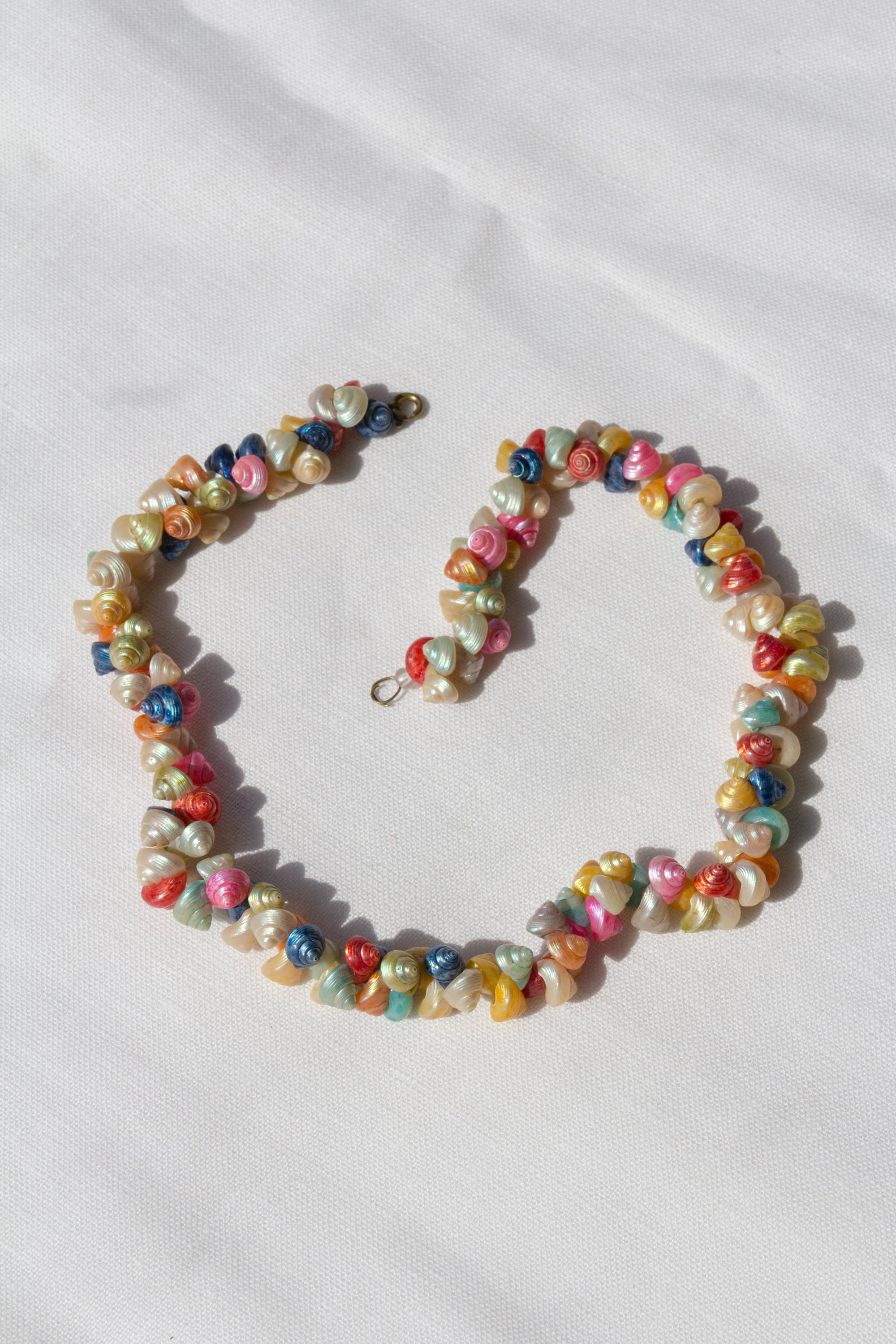 1940s Multi-Colored Painted Shell Necklace