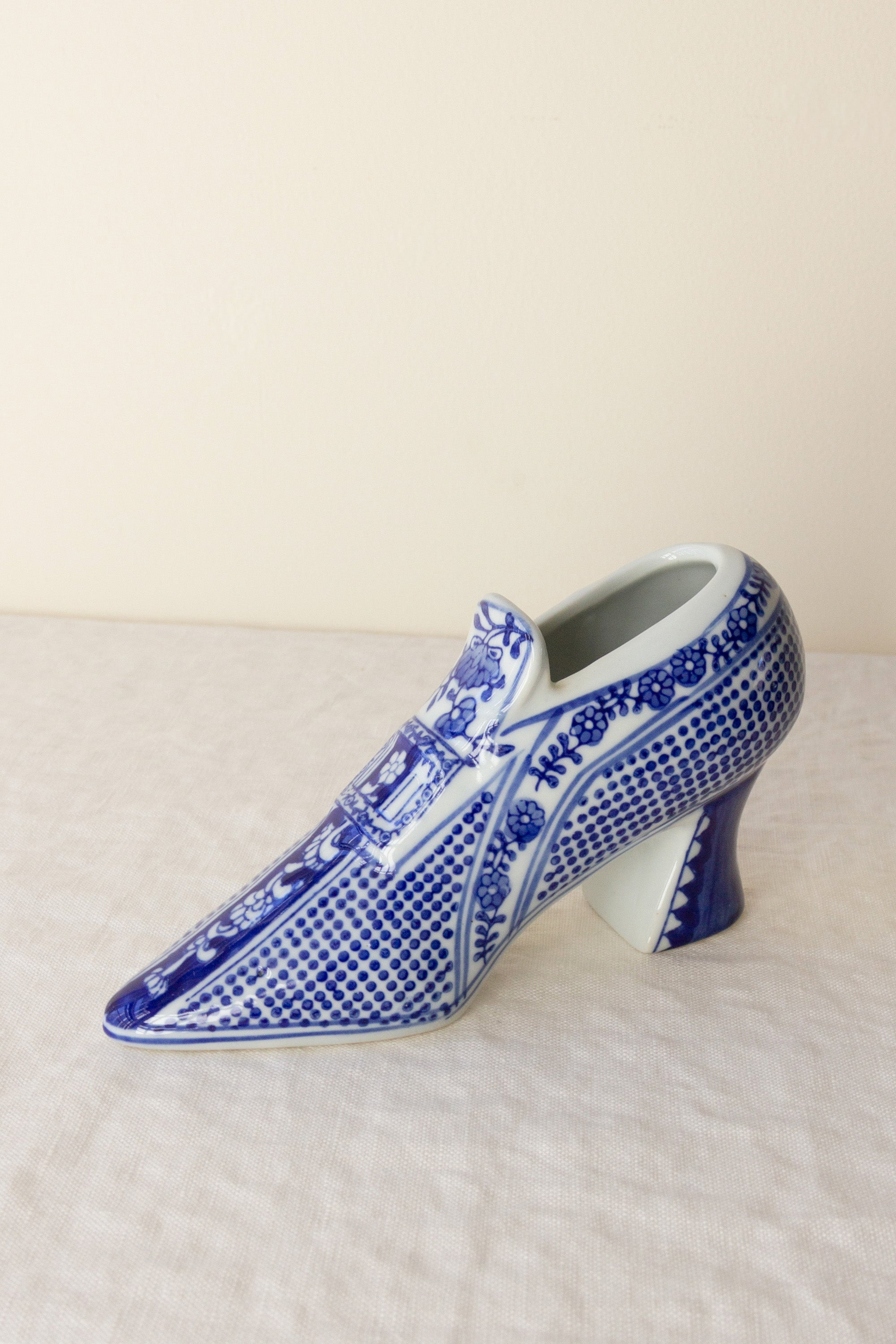 Porcelain Chinoiserie Shoe