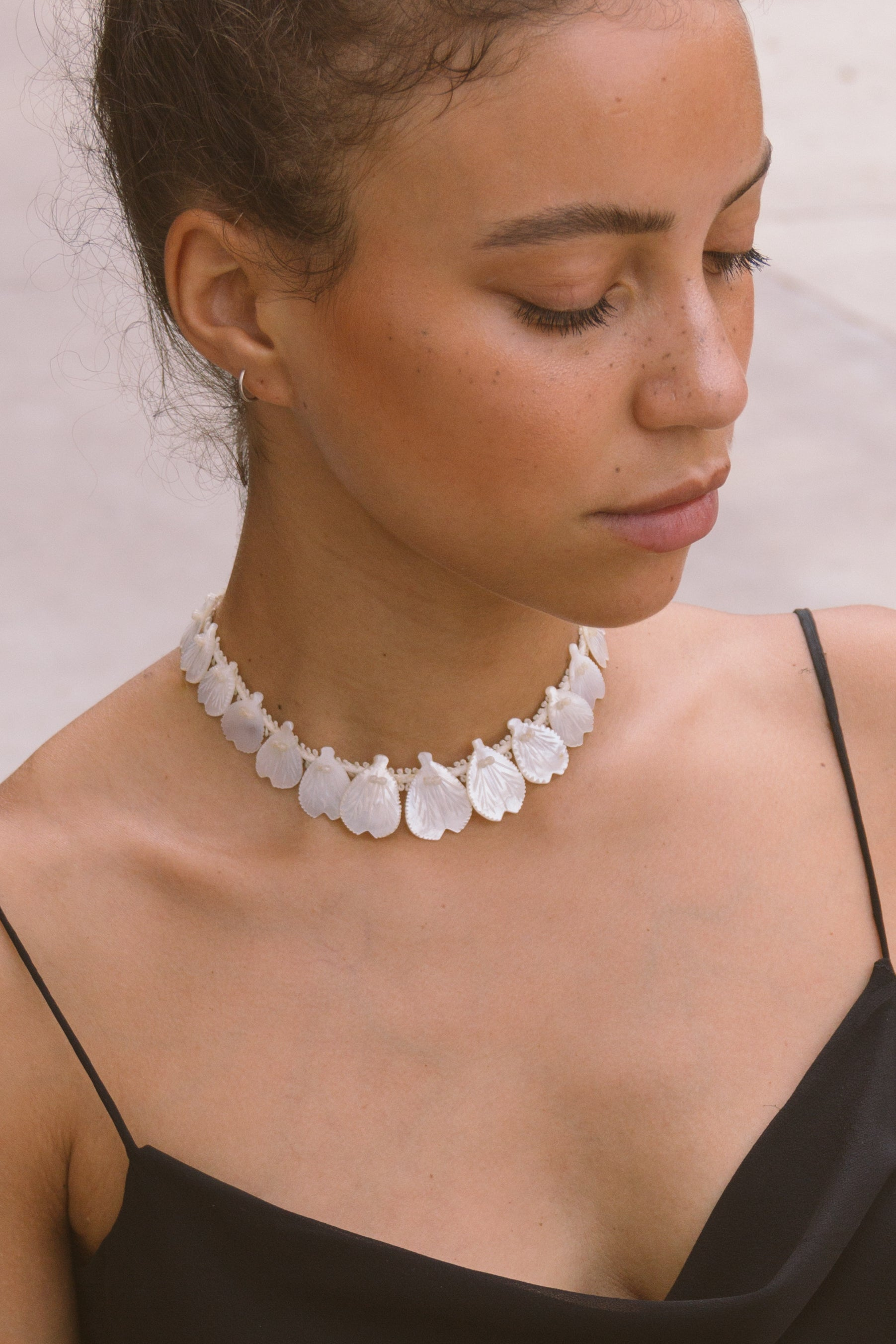 Shell Petal Choker Necklace