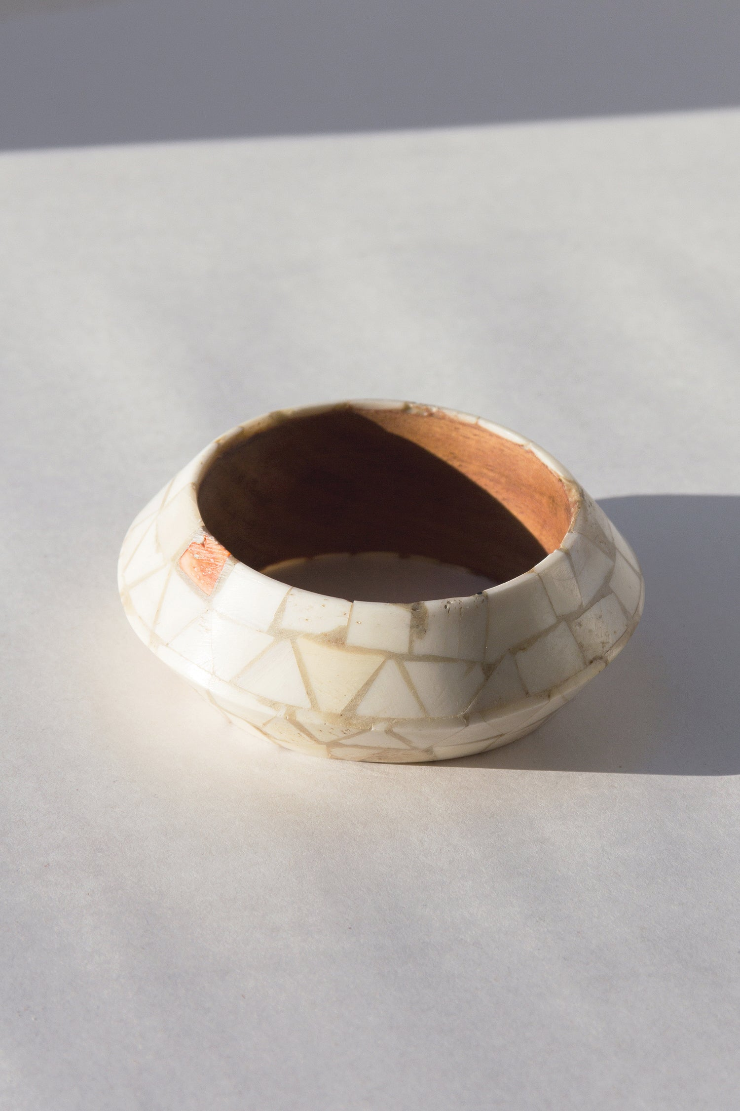 1970s Inlaid Bone & Agate Bangle