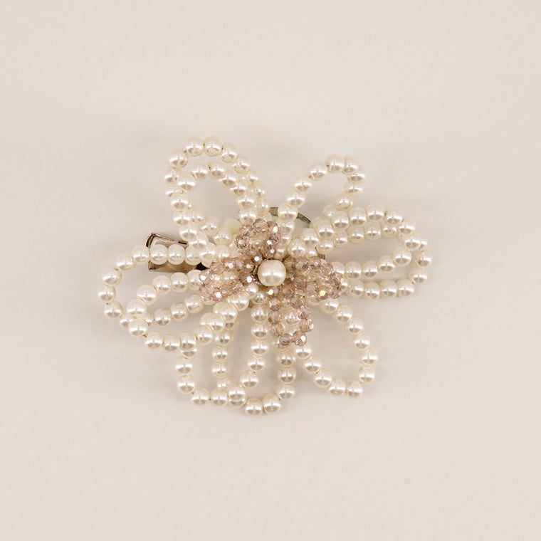 The Acacia Flower Hair Clip Hair Clip Sienna Likes To Party