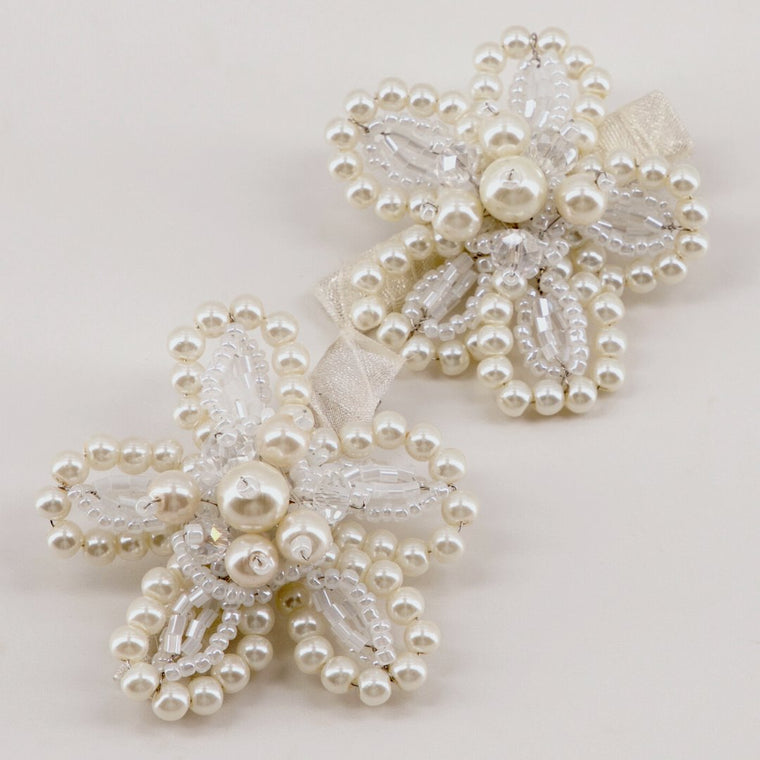 The Amina Pearl flower Hair Clip Set Hair Clip Sienna Likes To Party