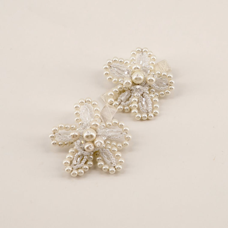 The Amina Pearl flower Hair Clip Set