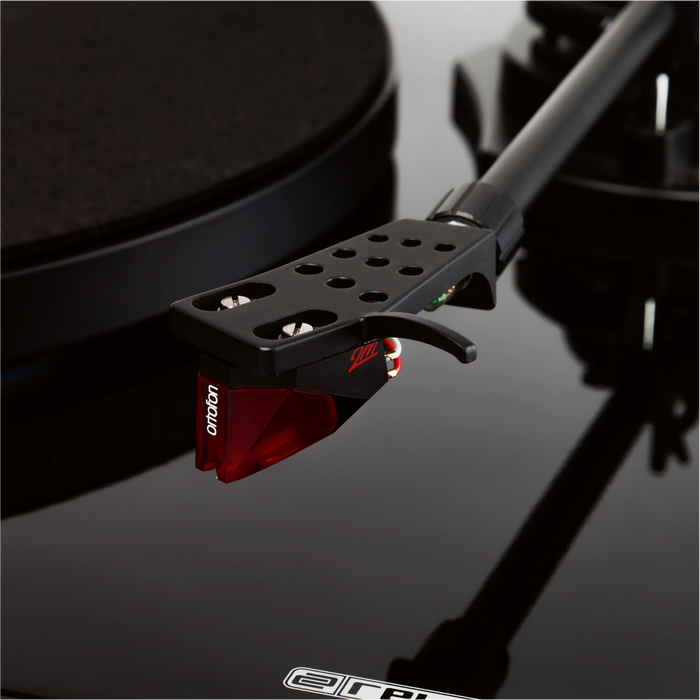 RELOOP Premium analogue HiFi turntable with digital USB-audio interface.