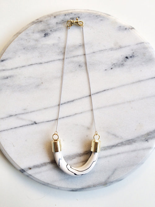BALILLA - Marble Effect U Necklace