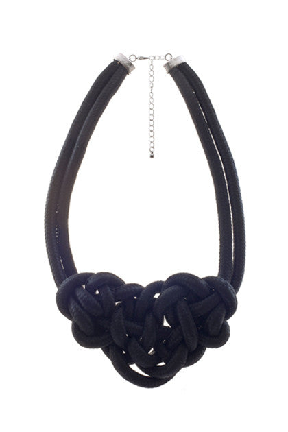 THE T-SHIRT NECKLACE - BLACK