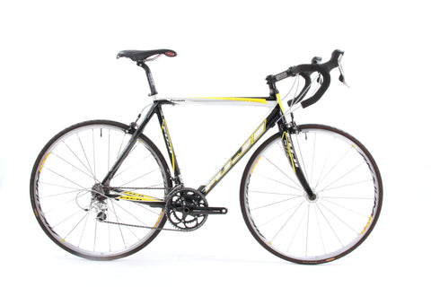 USED 2007 Fuji Professional 2.0 56cm Carbon Ultegra/105 Road Bike 2x10 Speed