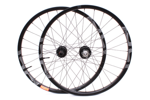 "NEW 2017 E*Thirteen TRS Race Carbon 27.5"" Wheelset Disc 15x100F, 12x142R XD"