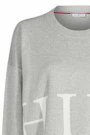 Marcey Graphic Swtr | Light Grey | Sweater med glimmer fra Tommy Hilfiger