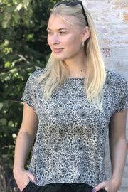 Luna Blouse | Black & White | Bluse fra Black Colour
