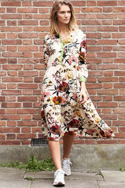 Naja Dress | Flower Print | Kjole fra Lollys Laundry
