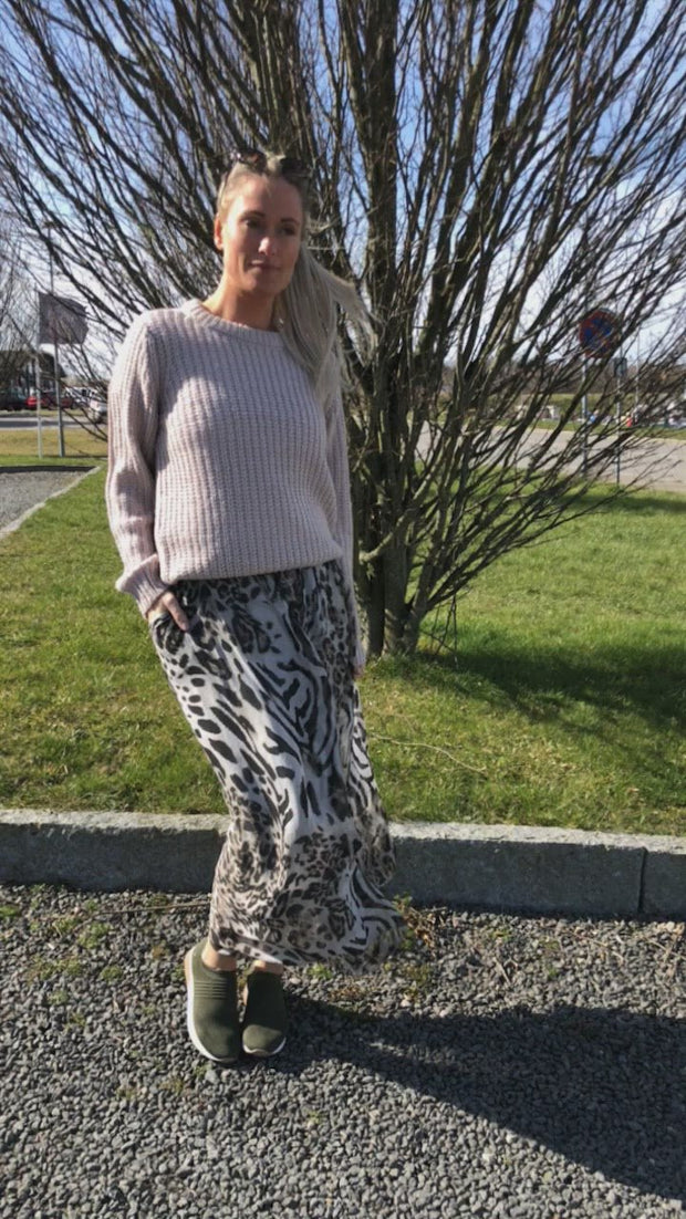Maxi skirt | Grey Leo | Nederdel fra Black Colour