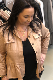 Riley Peplum Jacket | Rose | Kort jakke fra Black Colour