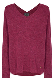 Thora V-Neck Knit | Cherries Jubilee | Uld strik fra Mos Mosh