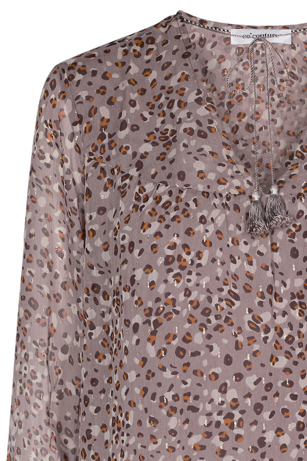 Cramps Boho Dress | Lysegrå | Kjole med print fra Co'Couture