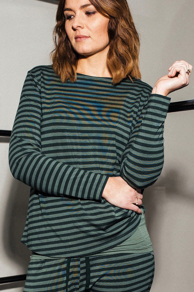 Still Of The Night | Green stripes | Bluse fra Comfy Copenhagen