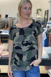 Rosa tee | Army | Camouflage t-shirt fra Prepair