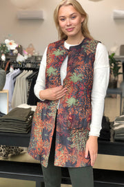 Joanna Long Quilted Vest | Camel | Quiltet vest fra Black Colour
