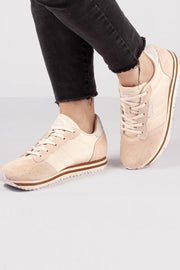 Alison low | Light sand | Ruskindssneakers fra Woden