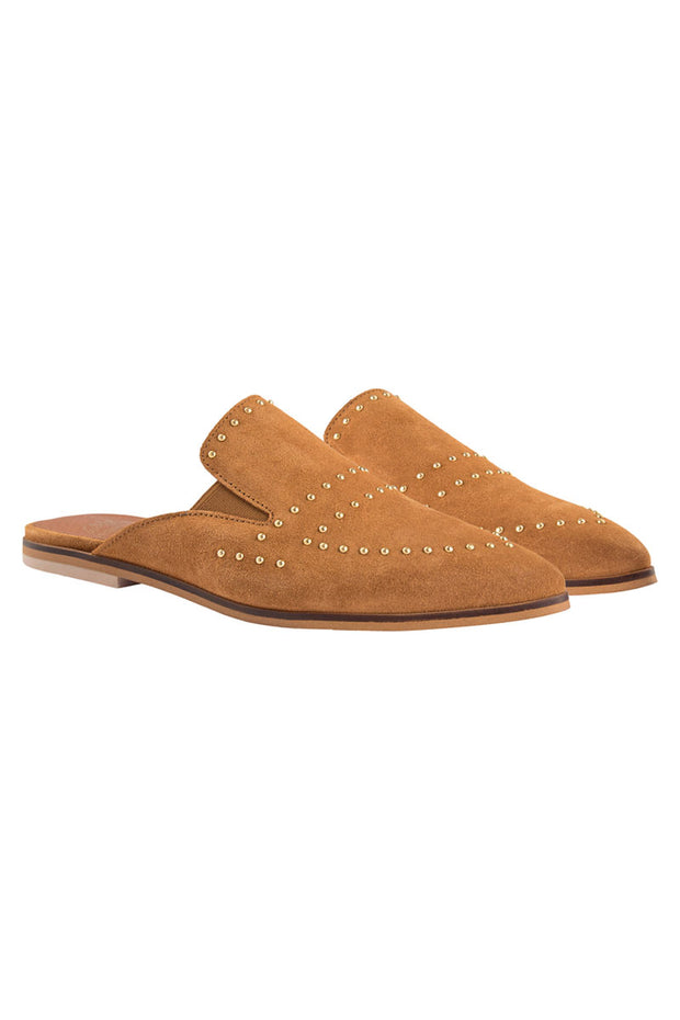 Boston Suede Flat | Cognac | Loafers med nitter fra Mos Mosh