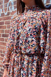 Jasmin Dress | Orange Flower | Kjole med blomterprint fra Liberté