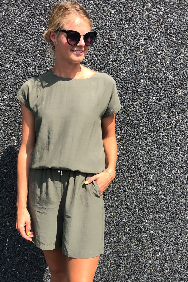 Nala-Ju | Dusty olive | Jumpsuit fra Freequent