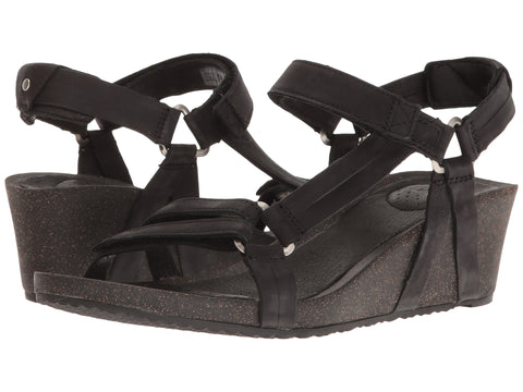 Teva Women's Ysidro Universal Wedge Sandals Black
