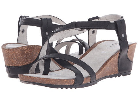 Merrell Women's Revalli Aura Post Sandals Black