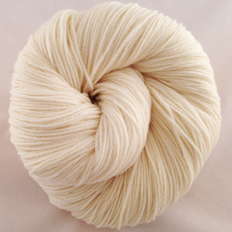 Wellspring Queen Anne's Lace (undyed)