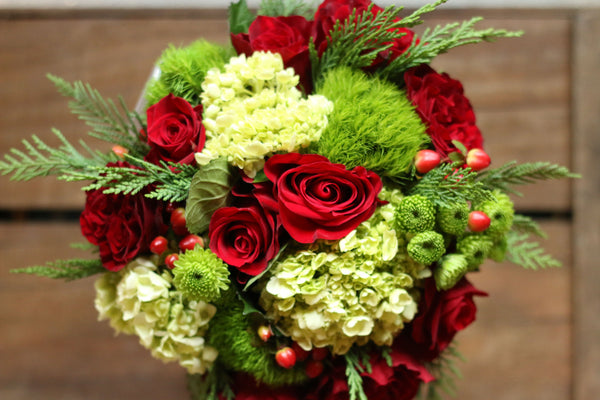 FF - 2020-12 - DECEMBER 18th - Green and Red Holiday Bouquet - PREMIUM SIZE