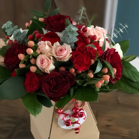 FF - 2021-02 - February 12th - Friday Flowers Bouquet - REGULAR SIZE