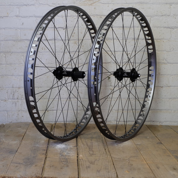 NorthPaw-S 29+ Wheelset Gunmetal