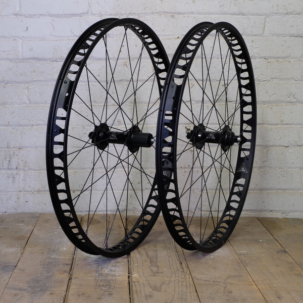 "Northpaw-S 26"" Fat-Bike Wheelset - Black, Silver and Gunmetal Available"