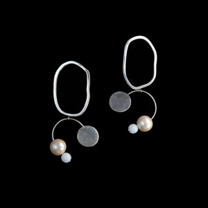 Bilanx Earrings with Pearl