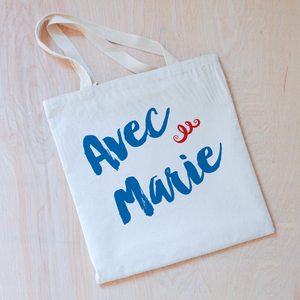 Oui Oui Personalized Tote at Hi Little One