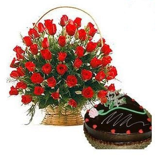1/2 KG Chocolate Cake N Basket of Roses - GoSendGift.com