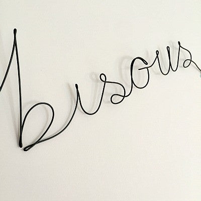 'Bisous' Wire Word