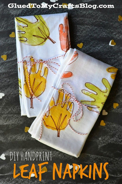 DIY Thanksgiving Napkins with your child's handprint