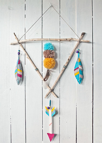 DIY Feather Mobile for a baby nursery