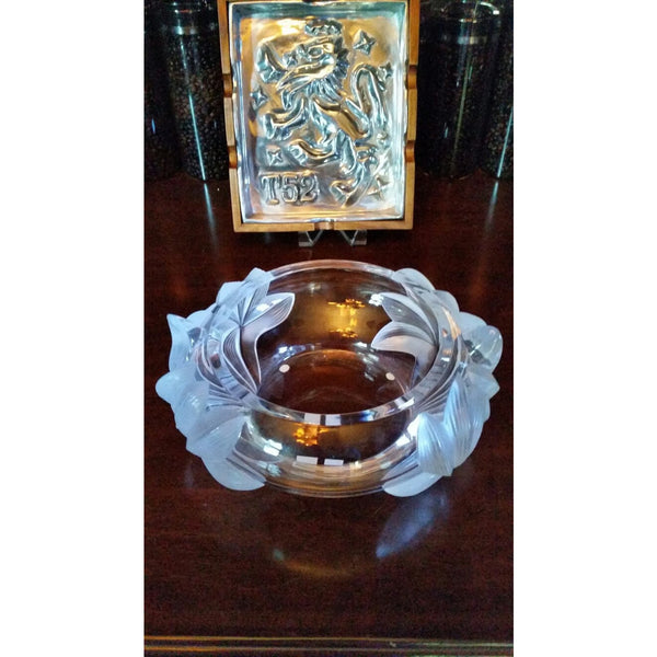 Lalique Pivione Peonies Flower Centerpiece Bowl Preowned excellent condition.