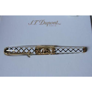 "s.t.dupont ltd edition "" Versailles"" Fountain Pen in the  original box w papers"