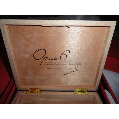 Fuente  Opus X Ltd Black Lacquer traveler
